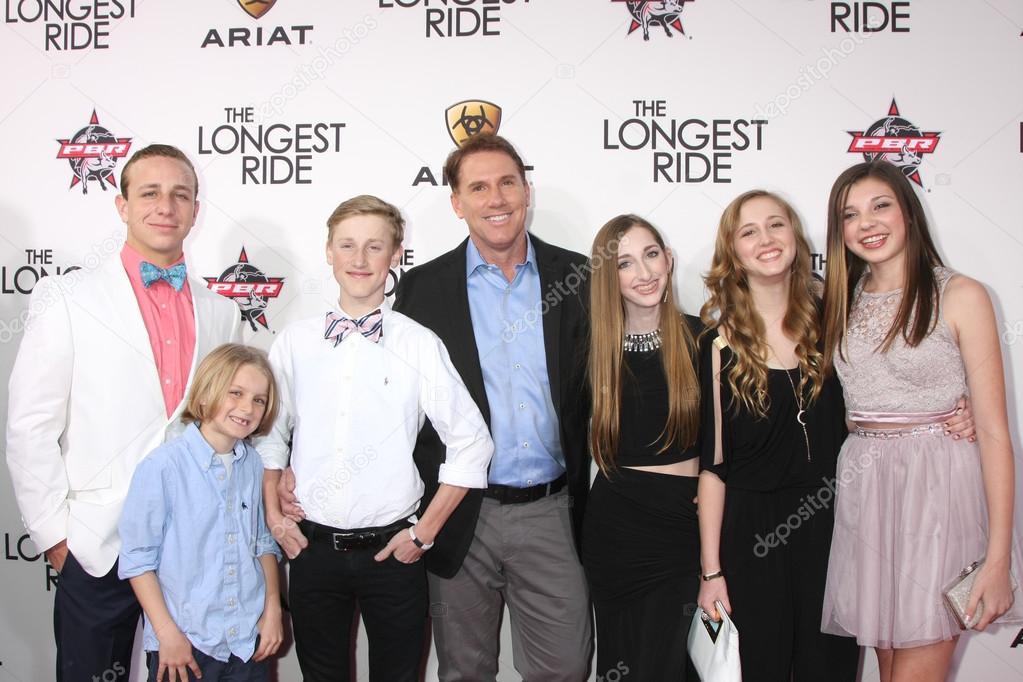 Nicholas Sparks, his children, and friends – Stock ...