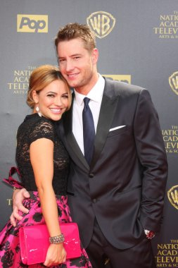 Chrishell Stause, Justin Hartley
