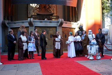 Australian Star Wars fans get married in a Star Wars-themed wedding