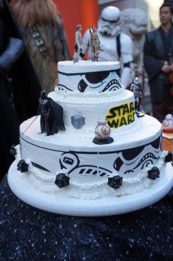 Australian Star Wars fans get married in a Star Wars-themed wedding