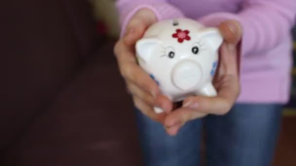 Piggy bank remegés