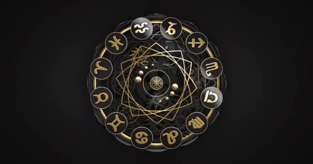 Handgefertigte goldene Tierkreiszeichen-Uhr in Großaufnahme-Zoom. Und der zweite Teil als Endlosschleife rotierender Tierkreiszeichen. Zwei Teile in einem 4k Video.