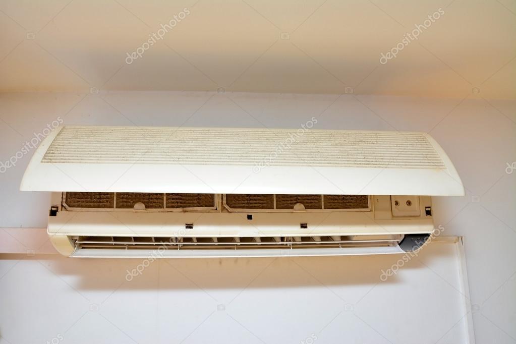 filtro de aire acondicionado sucios para limpieza — Foto de stock ...