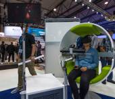 Der Stand des Airbus-Konzerns. Flugsimulator auf der virtuellen Realität Brille Oculus Rift