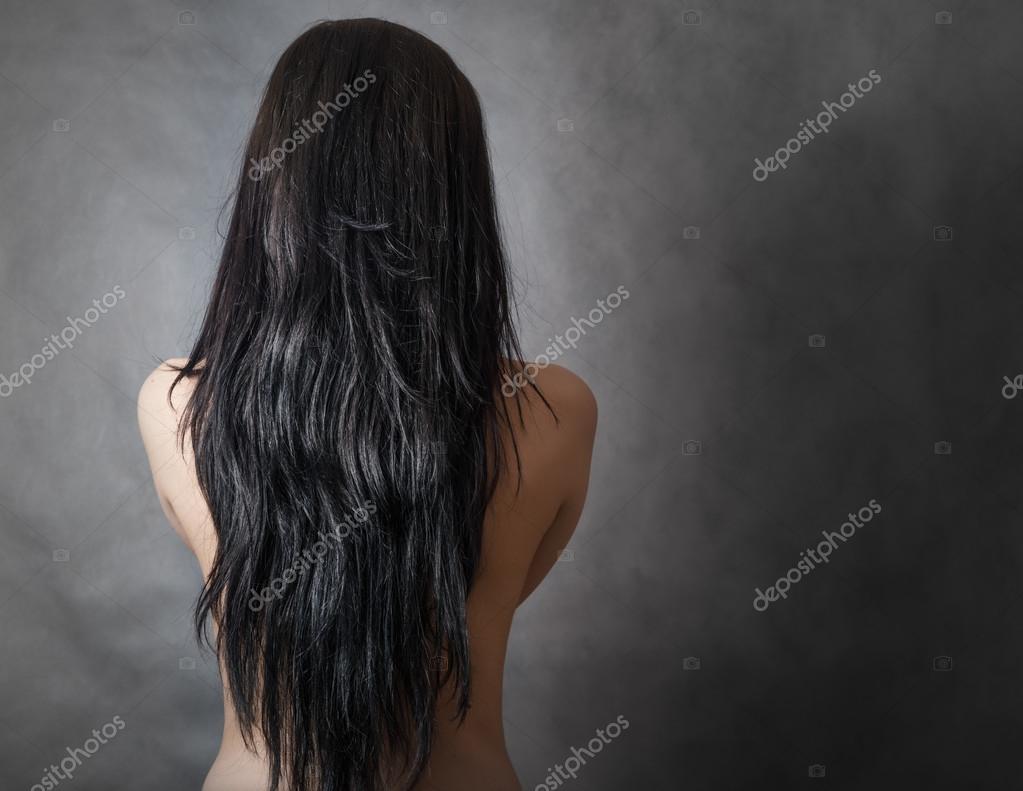 Фото девушек с темными волосами вид сзади 15