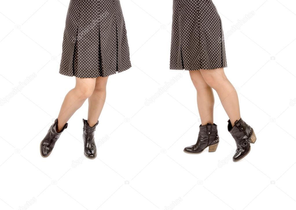 Polka Dot Flare Rock Und Westlichen Stiefeletten Stockfoto