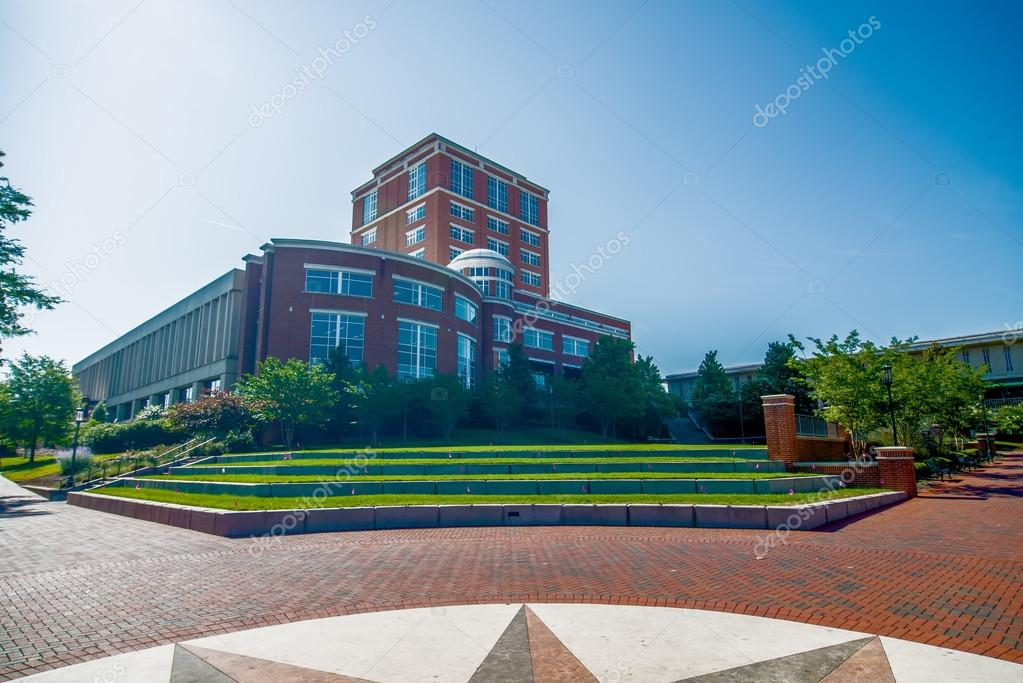 Modern college campus buildings — Stock Photo © digidream ...