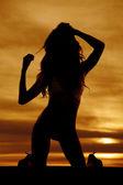 Fotografia sagoma di donna che porta bikini