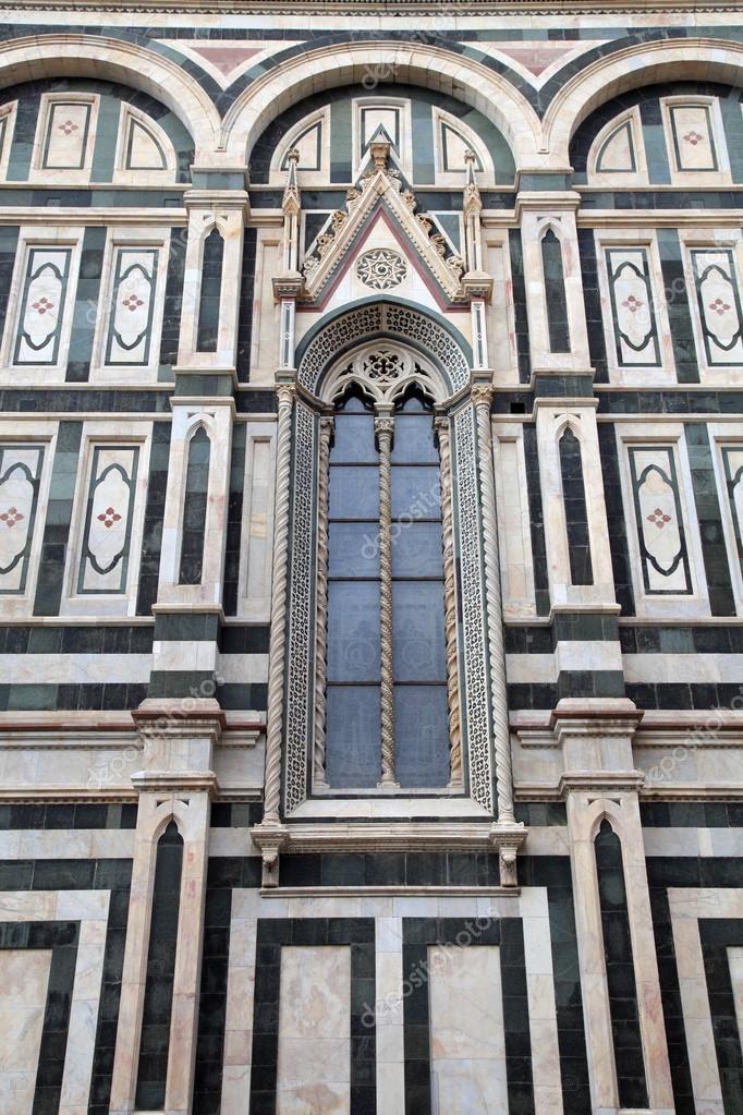 Finestra Gotica Cattedrale Del Duomo Firenze Italia Foto Stock
