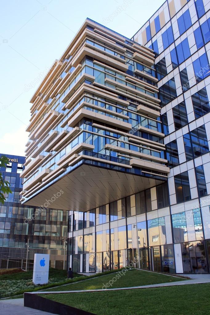 Immeuble moderne de bureaux de apple herzliya isra l for Image immeuble moderne