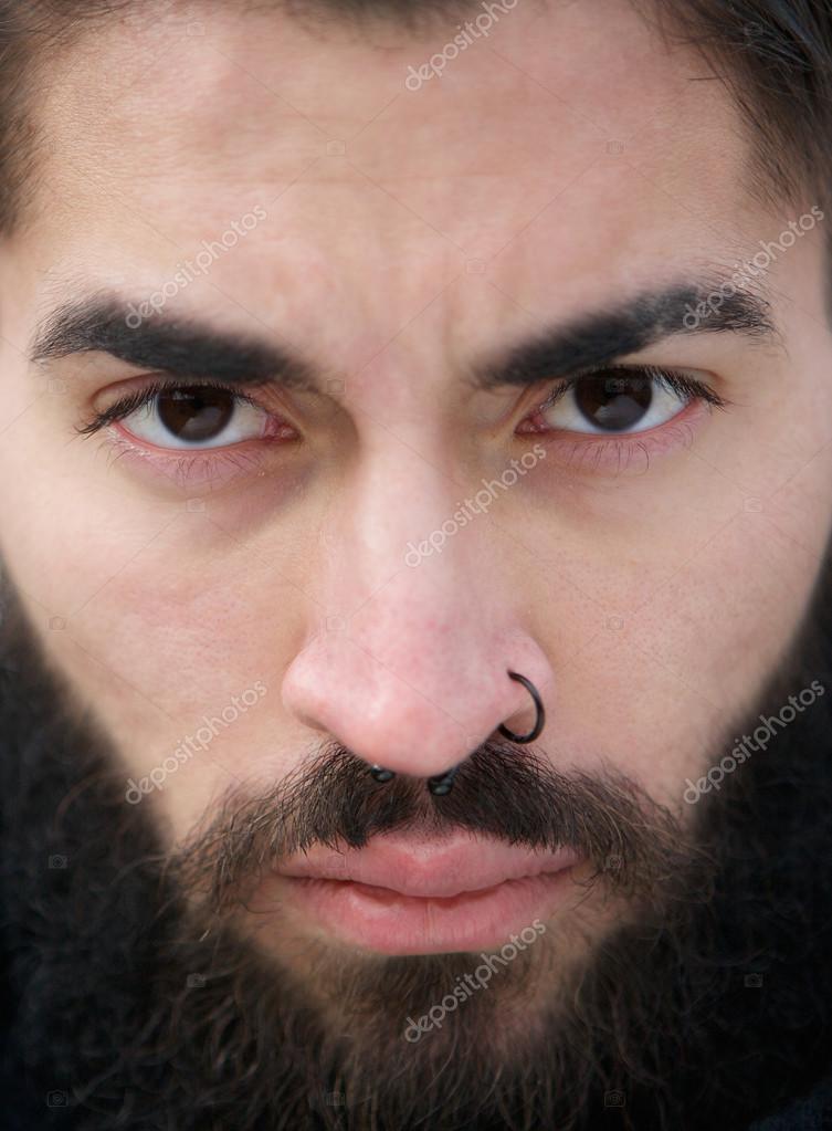 Imágenes Piercing Hombre Nariz Cara De Hombre Con Barba Y Nariz
