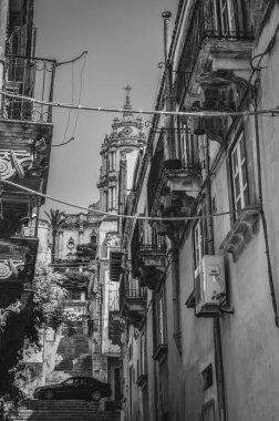 "Картина, постер, плакат, фотообои ""маленькая аллея модики, рагуза, сицилия, италия, европа, всемирное наследие венеция"", артикул 442679852"