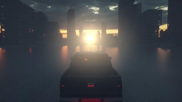 Allein fährt ein altes Auto durch eine zerstörte Stadt. Apokalypse Stadt im Nebel