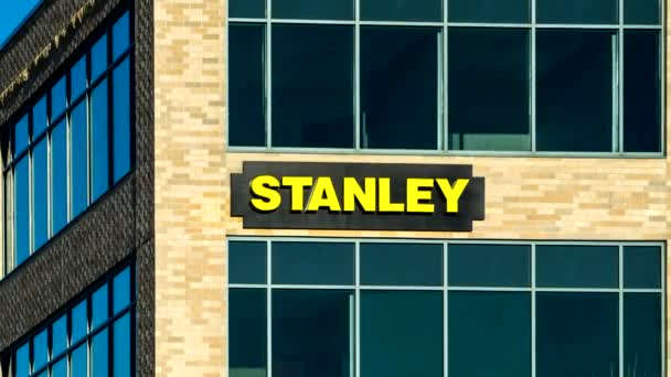 Stanley black a decker úřady a logo