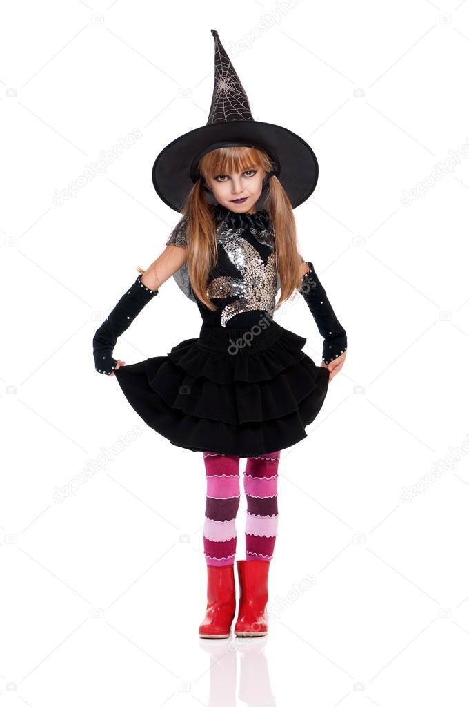 nia vestidos de bruja para fiesta de halloween retrato de estudio aislado sobre fondo blanco foto de valiza