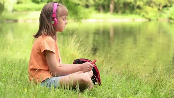 Little girl at lakeside