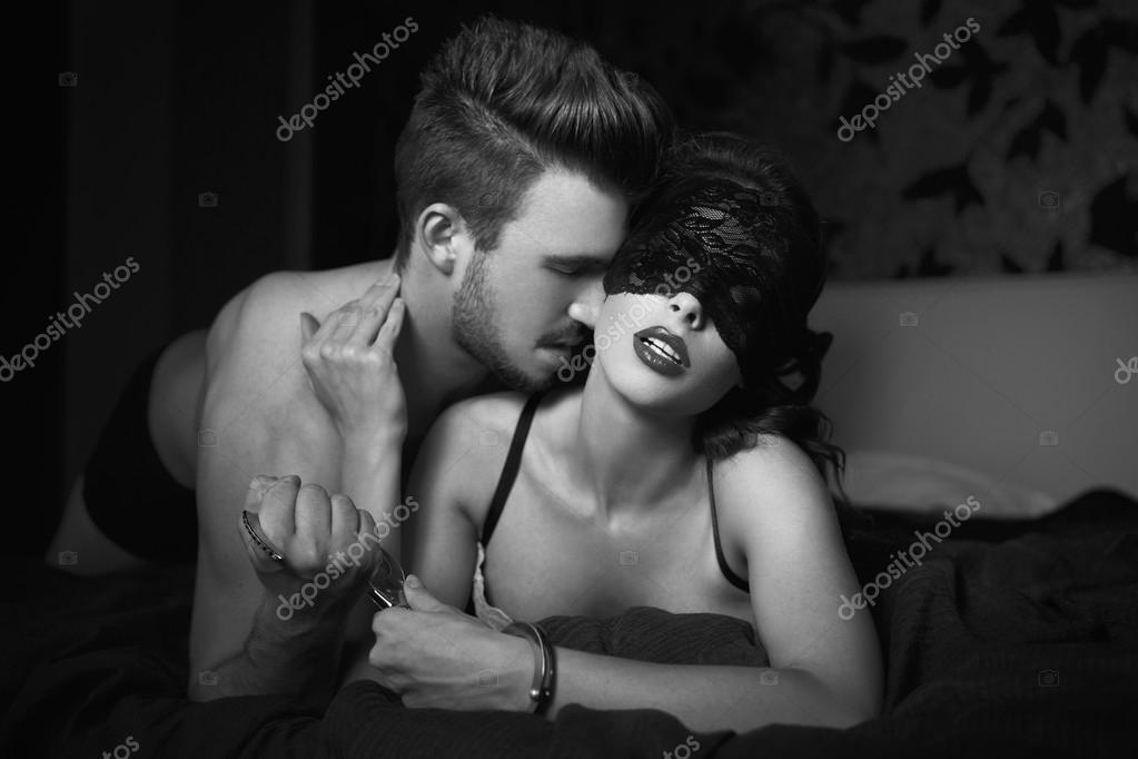 black-n-white-bdsm-couple-pics-nude