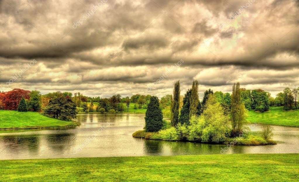 Lake at Blenheim Palace - Oxfordshire, England