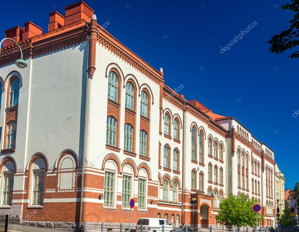 Helsingin normaalilyseo (normalne liceum w Helsinkach) - Finlandia — Zdjęcie stockowe © Leonid ...