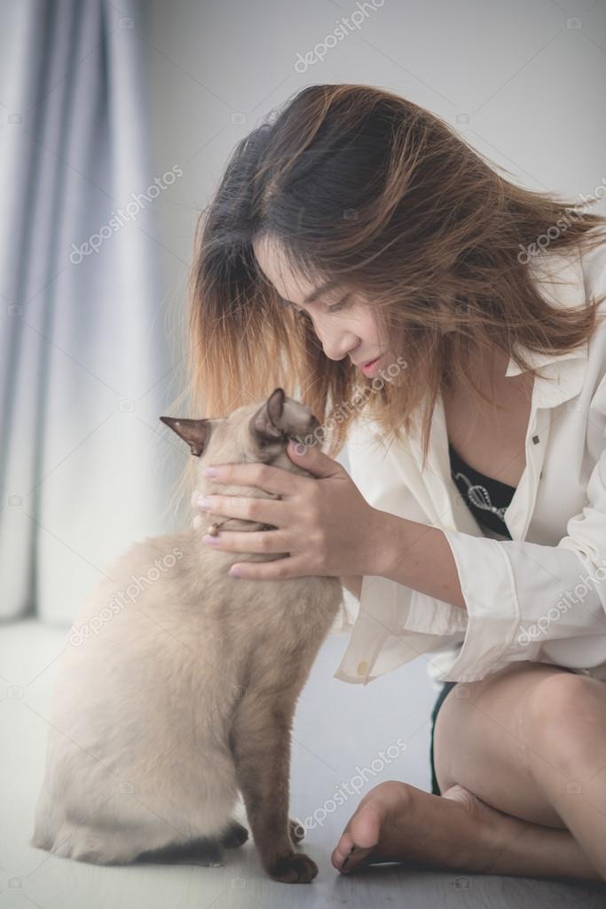 chat avec femme