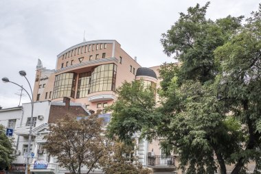 The building of original design