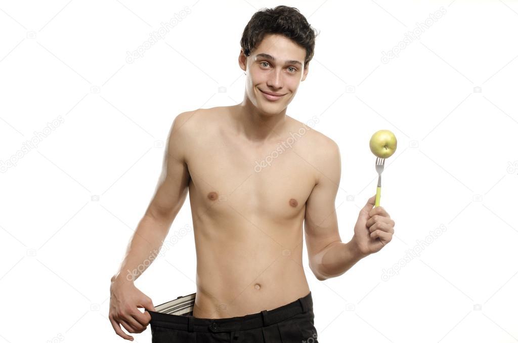 homme grand muscle avec une femme maigre