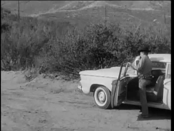 autórádióval a Rendőrtiszti