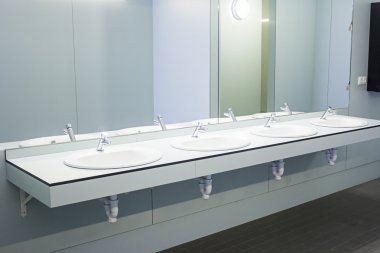 Washbasins with mirror