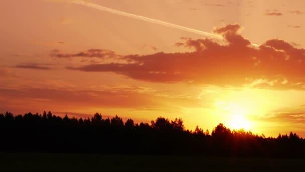 Ranní slunce mezi mraky