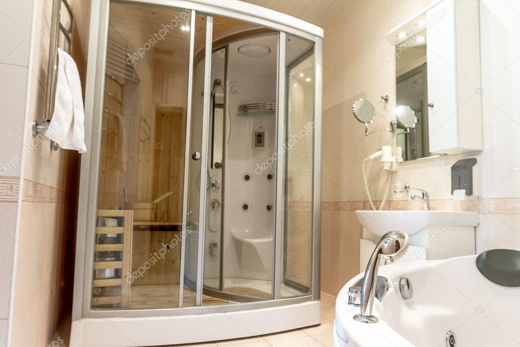 Wellness-Sauna-Kabine in weißen Badezimmer, Haus oder hotel ...