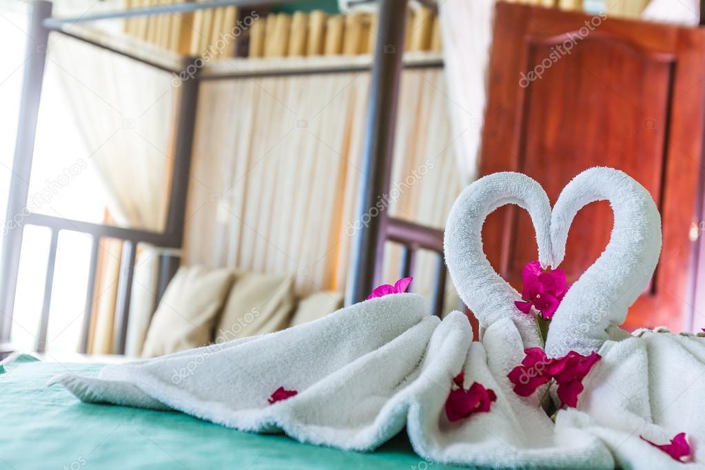 Decoracion De Toallas En La Habitacion Del Hotel Toalla Pajaros - Decoracion-con-toallas