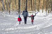 Fotografia famiglia nella neve