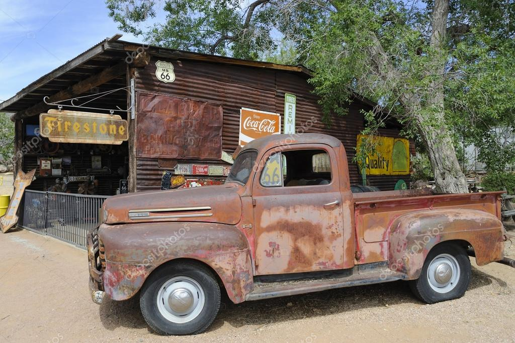 route 66 hackberry az oldtimer pick up auto. Black Bedroom Furniture Sets. Home Design Ideas