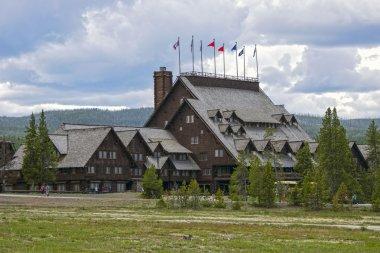 Old Faithful Inn, Yellowstone National Park, Wyoming, USA