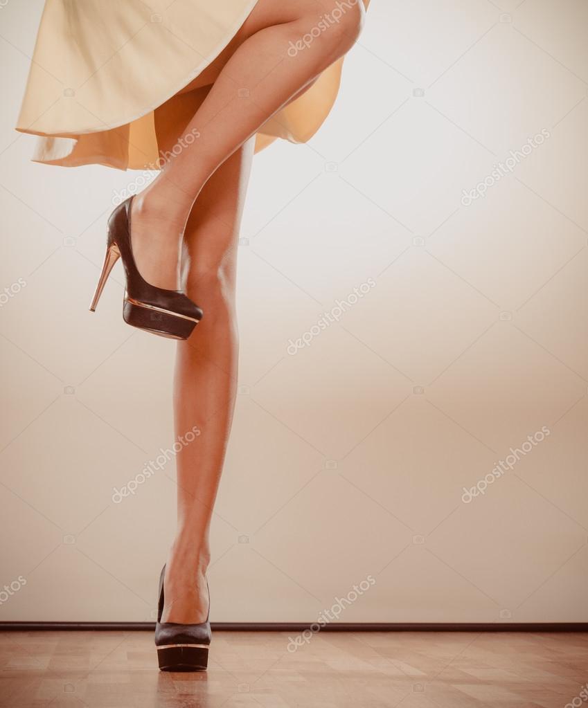 Сексуальные ножки каблуках