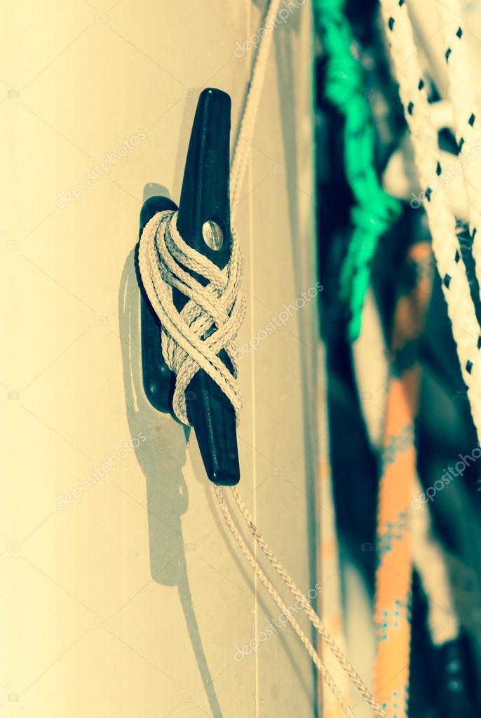 Bloque de velero con cuerda — Foto de stock © Voyagerix #55932805