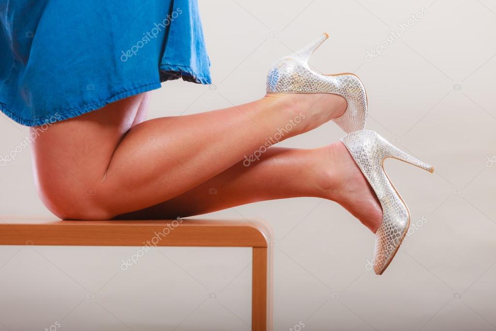 Сексуальная ходьба ножки видео