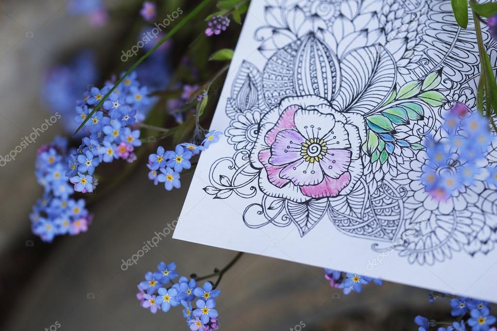 Coloriage Fleur Myosotis.Livre A Colorier Adultes Anti Stress Aux Fleurs De Myosotis Des