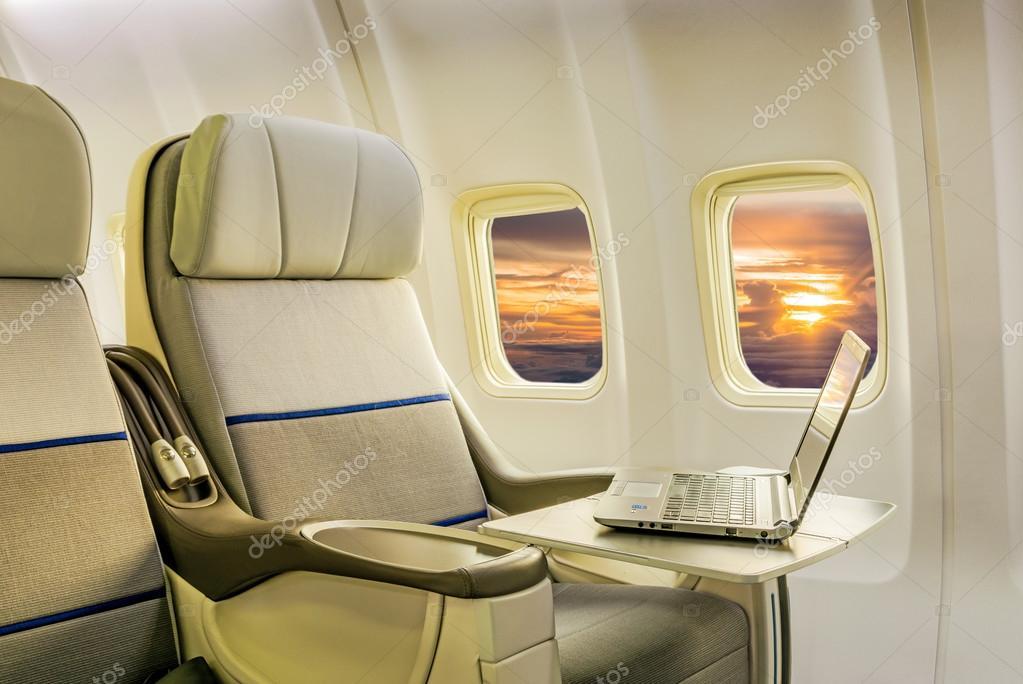 Vliegtuig cabine bedrijf klasse interieur — Stockfoto ...