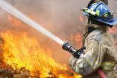 Hasiči bojovat požár