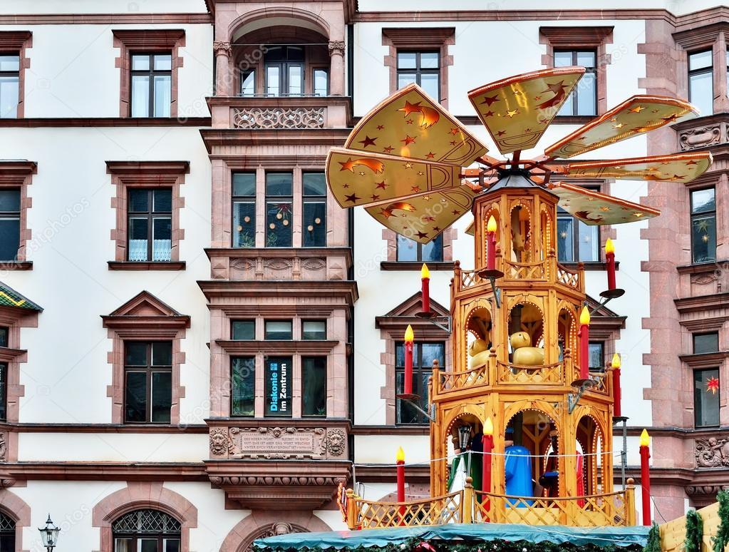 Traditionelle Deutsche Dekoration Weihnachtsmarkt