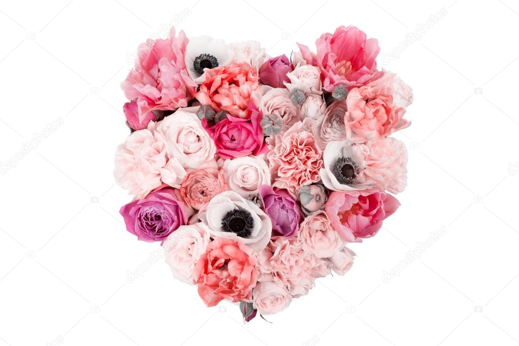 Heart shaped flower bouquet isolated on white — Stock Photo ...