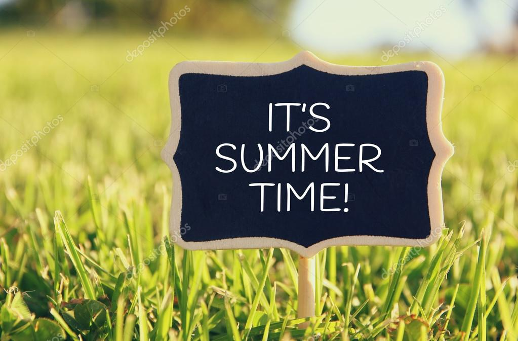 Wooden Chalkboard Sign With Quote: ITu0027S SUMMER TIME U2014 Stock Photo