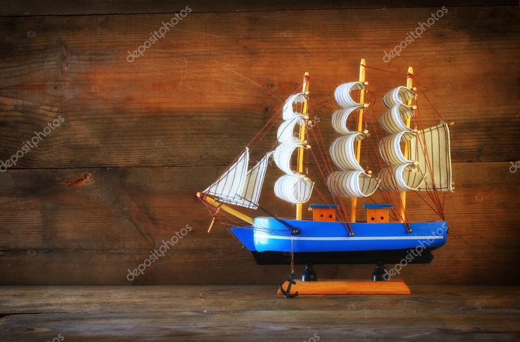 Antiguo velero madera — Foto de stock © tomert #78915096