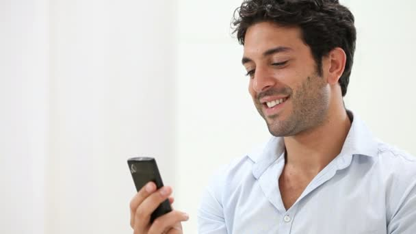 man chatrooms Meet online and talk to strangers from the usa, europe, asia, africa, canada, australia and other parts of the world you can simultaneously use several chatrooms and join several discussion groups, and if yu want you can also have a private conversation with girls and guys from your town.