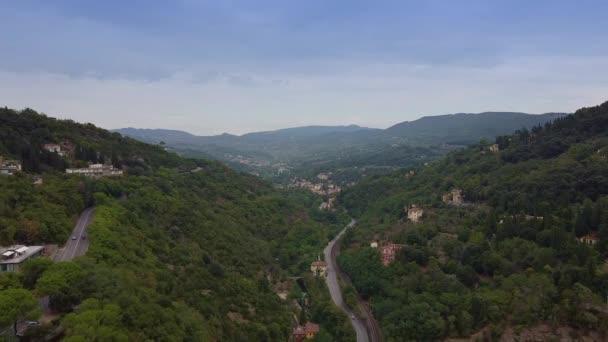 Úžasná horská krajina v Toskánsku, Itálie