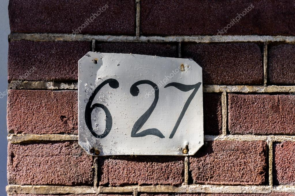 1000 images - Page 42 Depositphotos_118982010-stock-photo-house-number-627