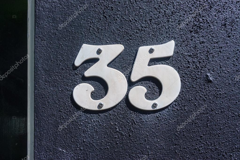 NUMERO DE PUTAS 35