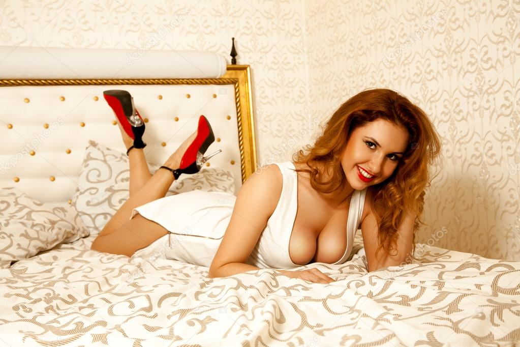 Angelina Valentine sesso anale
