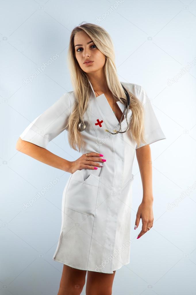 порно в медицинском халате блондинка смог